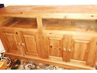 Pine Sideboard/Cupboard, suitable also for TV, etc Great condition