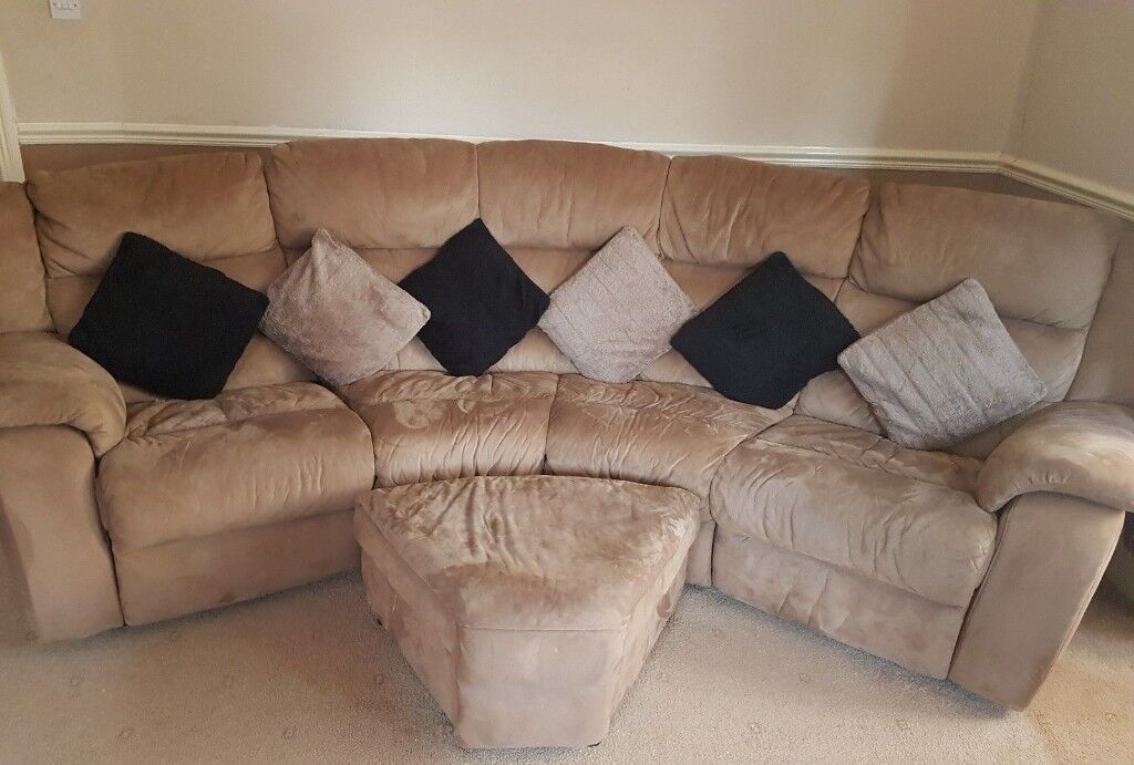 Great House Clearance   Sofa Beige Velvet Effect Corner Sofa   3 Piece   Can Sell  Seperate