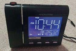 MAGNASONIC MM176K AM/FM Projection Clock Radio Dual Alarm Self Set & Batteries