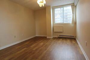 1 bedroom-$870-Côte St-Luc -Cavendish -Loyola Campus