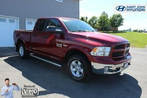 2015 Ram 1500 Outdoorsman! HEMI! 4X4! LOW MILEAGE! $192 B/W!
