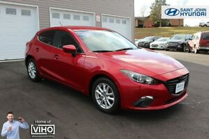 2016 Mazda Mazda3 Sport GS! LOW KMS! BACK UP CAM! $117 B/W!