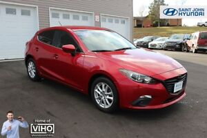 2016 Mazda Mazda3 Sport GS! LOW KMS! BACK UP CAM! $124 B/W!
