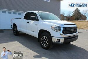 2018 Toyota Tundra SR5! TRD! 4X4! LOW KMS! LIKE NEW!