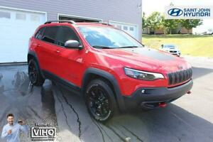 2019 Jeep Cherokee Trailhawk! LIKE NEW! 4X4! LEATHER!