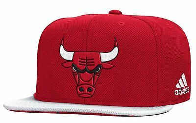 (Chicago Bulls Authentic Draft Hat NBA Adidas Official On Court Snapback Cap)