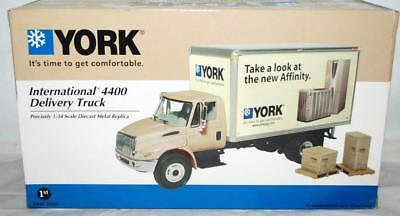 YORK AIR CONDITION TOY International 4400 Delivery Truck 1:34 Scale ~98
