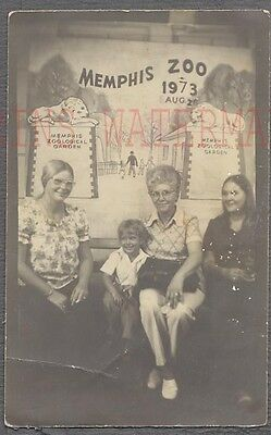 Vintage Photo 3 Women & Cute Boy in Memphis Zoo Photobooth Tennessee 747747 - Zoo Photo Booth