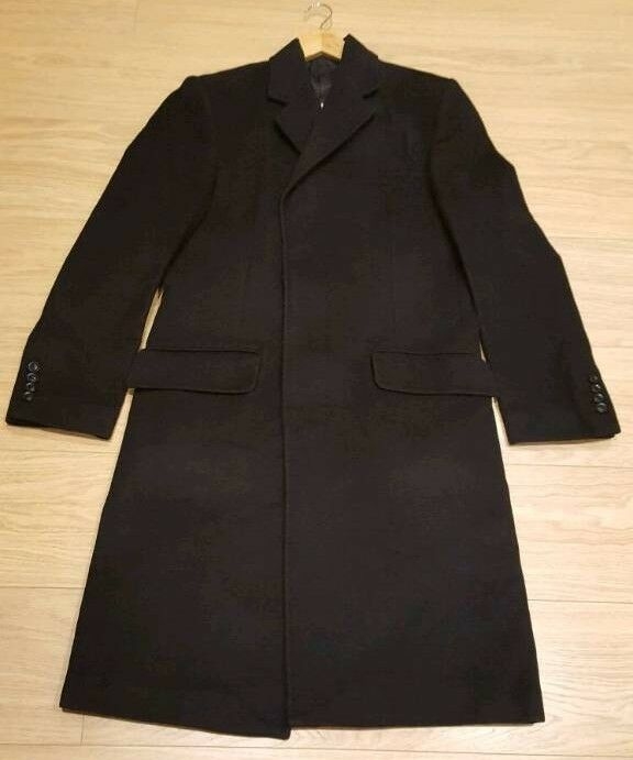 Men's wool coat worth £200 +cover - NEW CONDITION