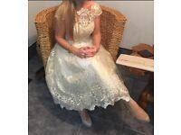 Gold/cream dress