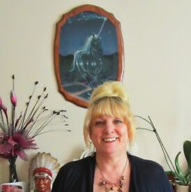 Tune into your soul pathway With Sue Johnson-Hewitt and Donna Maxine