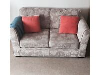 Lovely floral pattern 3 piece suite / sofa set very good condition