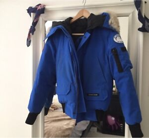 Authentic Canada Goose Youth Medium - fits adult XS
