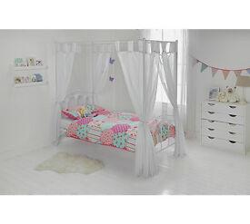 Heart Poster Bed frame - White