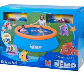 Brand new in box finding Nemo kids pool with 3d features and 3d goggles and discs