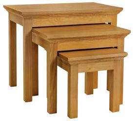 Collection Kingsbury Nest of 3 Oak & Oak Veneer Tables