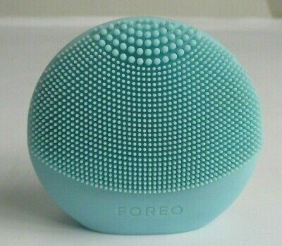 FOREO Luna Fofo Smart Facial Silicone Cleansing Brush Mint