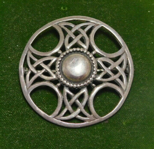 UK Hallmark Celtic Scottish Targe Shield Cross Sterling Silver Brooch 11o 22