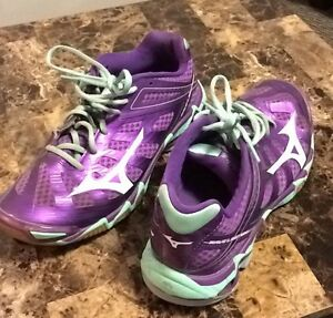 Ladies Size 9.5 Running Shoes