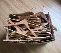 Box of 40 wooden hangers in nice condition