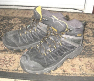 Used Dakota Tarantula Men's Safety Shoes, 7.5, somewear butgood