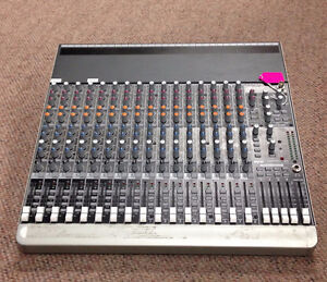 Pre-Owned Mackie 1604-VLZ3 16 Channel Mixer