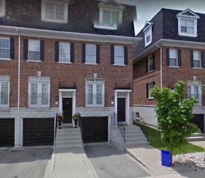Town house for lease in Richmond Hill