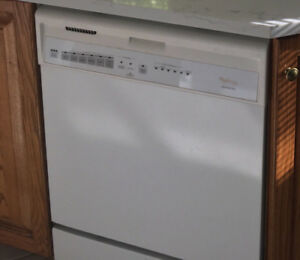 Dishwasher - Whirlpool Gold Series MUST GO