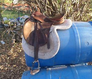 2 16.5 english saddles for sale Belleville Belleville Area image 5