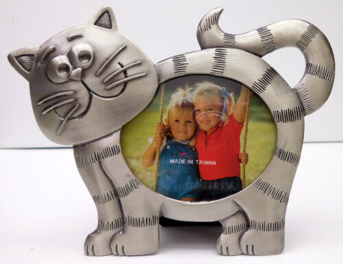 CAT PHOTO FRAME, SMALL, PEWTER, OVAL SHAPE, TAIL UP, ITEM 1316