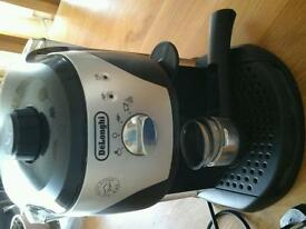 Delonghi EC220CD Coffee maker.