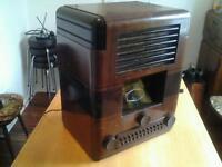 Invicta A49 PB Valve Radio ( VERY OLD )