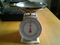 Kitchen Scales (Kilos & Pounds )