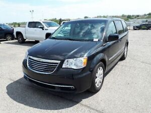 2014 Chrysler Town & Country Touring   Cloth   3 Zone Climate  