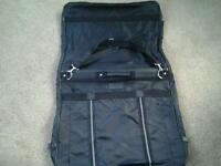 Travel wardrobe holdall