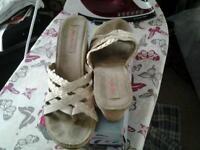 Skechers worn size 6