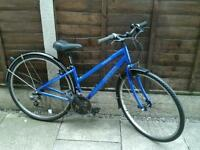 LADIES APOLLO CX 10 HYBRID ROAD BIKE, 700 ALLOY WHEELS, GOOD TYRES, MUDGAURDS,