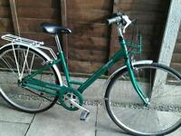 LADIES RALEIGH CAPRICE, TOWN BIKE, 700 ALLOY WHEELS, NEW TYRES,