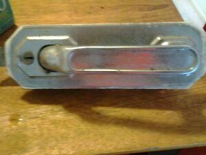 vintage airstream doorlock jpg 1200x900