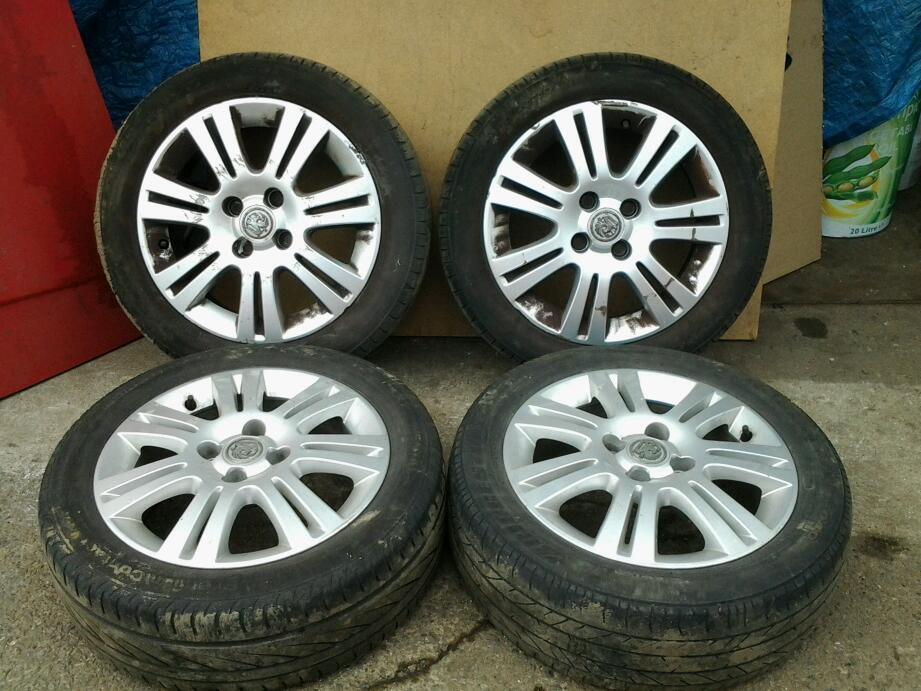 Vauxhall Corsa D 15 Inch 4 Stud Sxi Alloy Wheels Centre