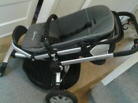 Qinny buzz 4 push chair