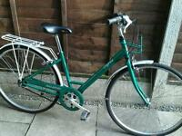 LADIES RALEIGH CAPRICE, TOWN BIKE, 700 ALLOY WHEELS,