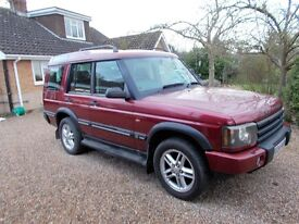 Land Rover Discovery Mk2. 7 seat, one owner, full service history, MOT to 29/11. Good condition.