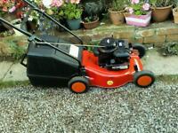 Briggs & Stratton 16' petrol lawnmower