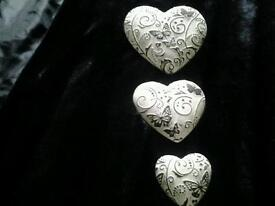 Lovely wall hanging hearts ceramic unusual new