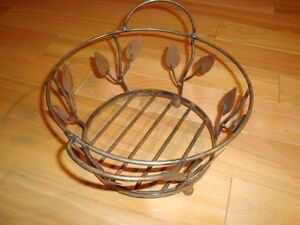 "Wrought Iron Decorative Basket -9"" Diameter With Leaf pattern"