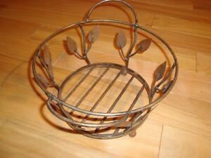"Wrought Iron Decorative Basket -9"" Diameter With Leaf pattern Kitchener / Waterloo Kitchener Area image 1"