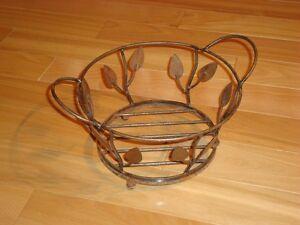 "Wrought Iron Decorative Basket -9"" Diameter With Leaf pattern Kitchener / Waterloo Kitchener Area image 3"