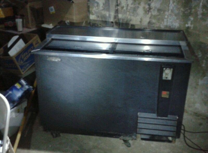 True TD-50-18 Beverage refrigerator