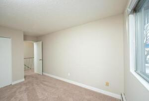 *MOVE IN NOW~DON'T PAY TILL MAY* 2 Level 2 Bdrm by Kingsway~186 Edmonton Edmonton Area image 10